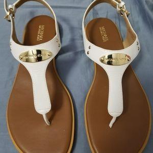 Michael Kors Plate Thong sandal, white, size 8.5